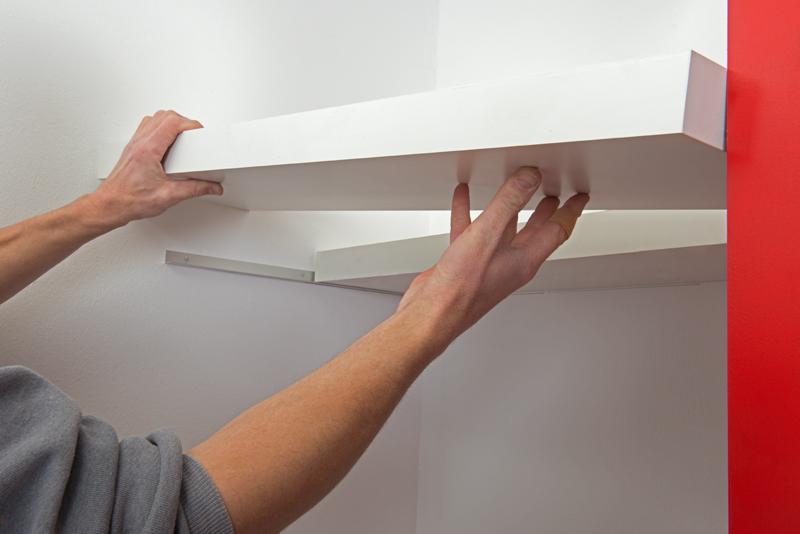 Poradnik - wykonanie szafki - mocowanie pólki